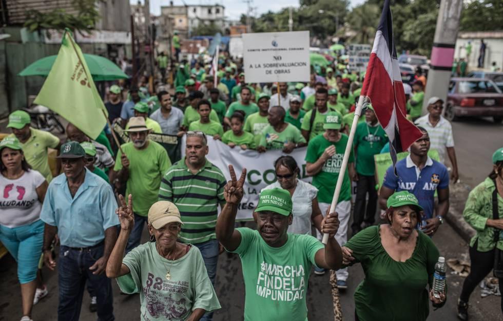 Marcha reivindicativa en Santo Domingo contra la corrupción y la impunidad de los delitos (en referencia a los implicados en el caso Odebrecht).