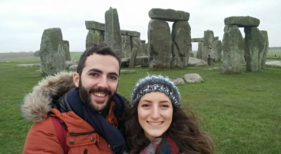 Marta Flores and her partner Carlos Martínez at Stonehenge.