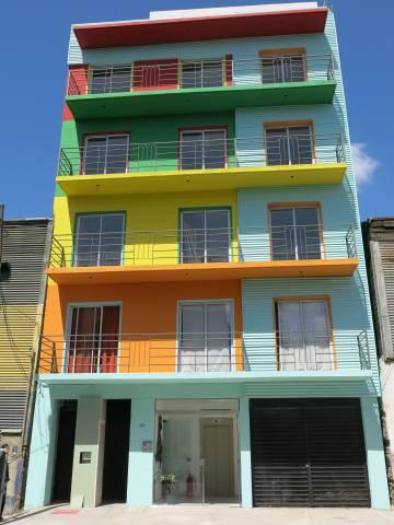 Edificio rehabilitado por los vecinos.