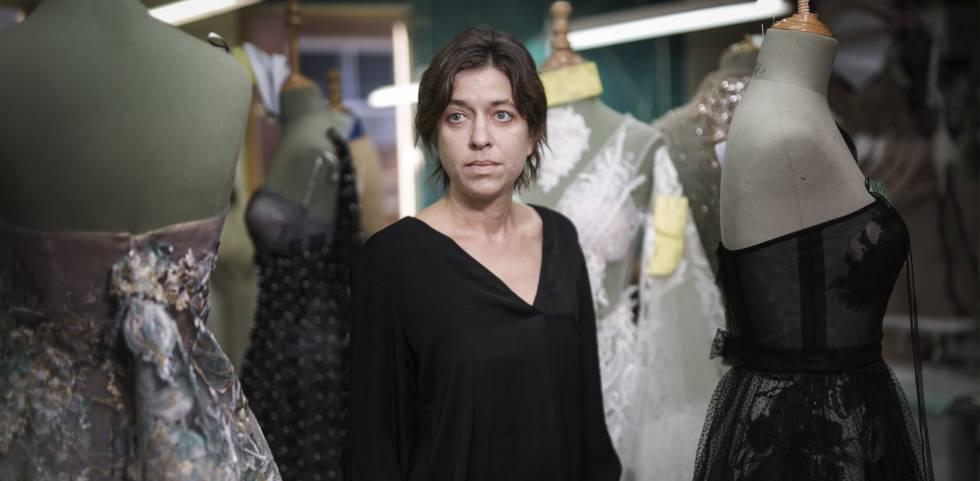 yolancris, la diseñadora de sabadell que viste a shakira y beyoncé
