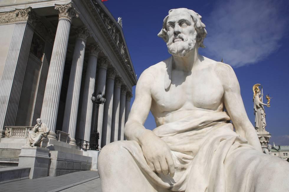 Estatua de Thucydides, el filósofo griego. rn