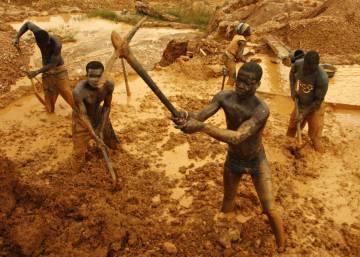Chinos, minería ilegal, empleo y armas en Ghana