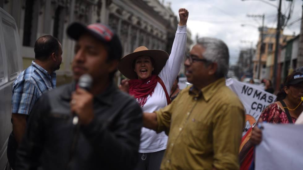 Integrantes del Comité de Desarrollo Campesino (Codeca) en una protesta en el centro histórico de Ciudad de Guatemala.