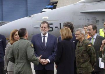 Spanish PM defends national security on visit to troops near Russian border