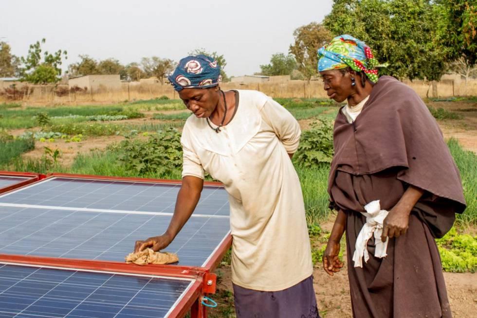 En lo más remoto del Sahel maliense se encuentra la comuna de Djiedugu, un conjunto de 34 villas que suma unos 34.000 habitantes. Viven sin apenas acceso a electricidad, a tecnología o a infraestructuras. Aquí, el acceso a agua potable y limpia es un problema.