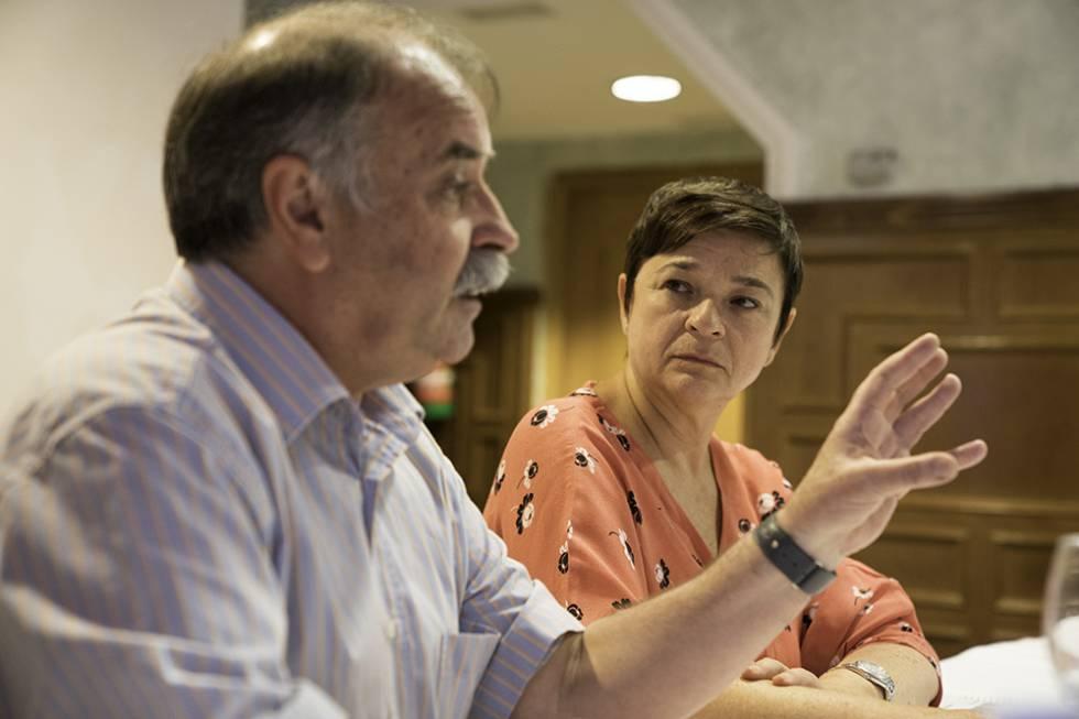 Enrique Yeves y Amalia Navarro, directores de comunicación de la FAO y la SEGIB respectivamente, ayer durante el curso de verano en El Escorial.