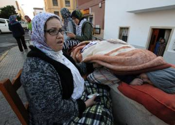 Melilla tries to forget the earthquake