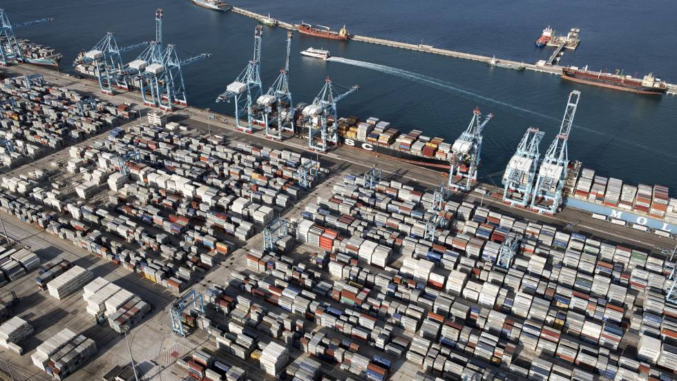 The port of Algeciras is one of the busiest in the world, and few containers get checked.
