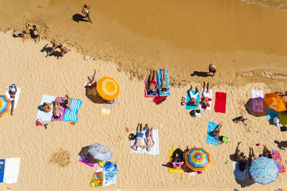 Las 10 actitudes que más odiamos en la playa
