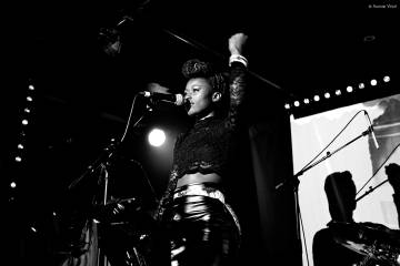 Gnima Sarr está afincada en Paris donde lleva a cabo su proyecto musical.