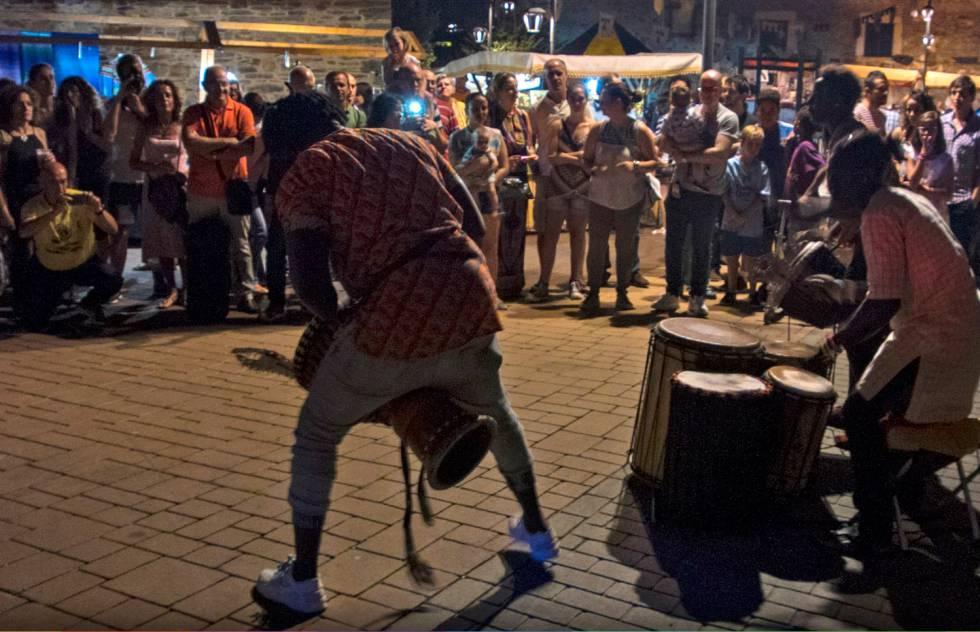 Fiesta de tambores durante la IV edición de Villar de los Mundos.