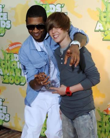 Usher y Justin Bieber, en 2009.