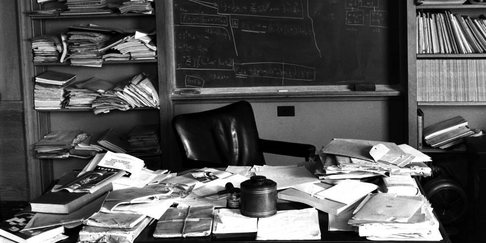 Imagen del despacho en Princeton de Albert Einstein tomada en 1955, apenas unas horas después de la muerte del físico.