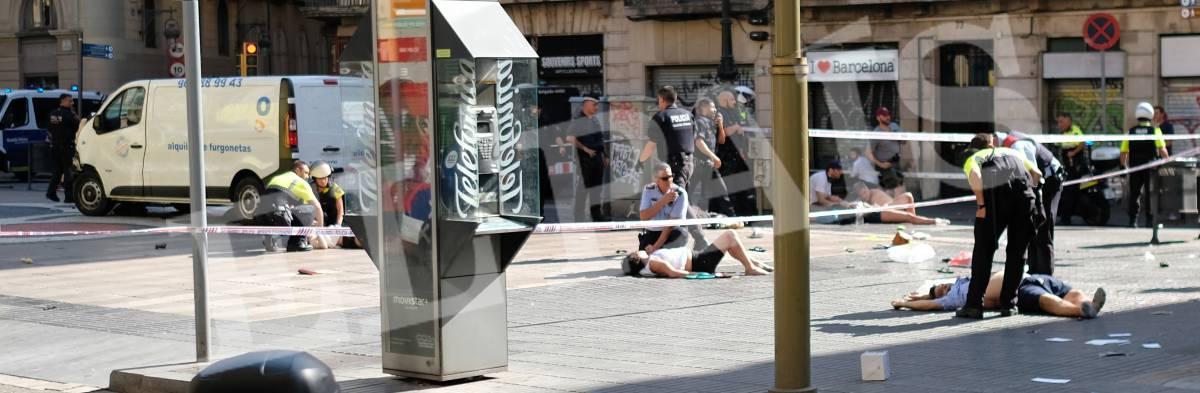 Una furgoneta arrolla a varias personas en La Rambla de Barcelona