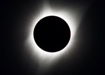 Eclipse of the sun spells magic day of darkness for US