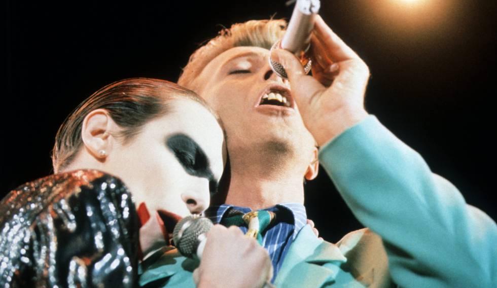 Annie Lennox y David Bowie.