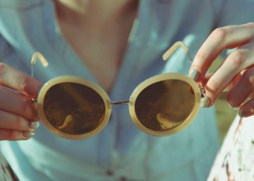 cd7e0c12b1 Las 12 mejores gafas de sol de diseño para mujer, según S Moda