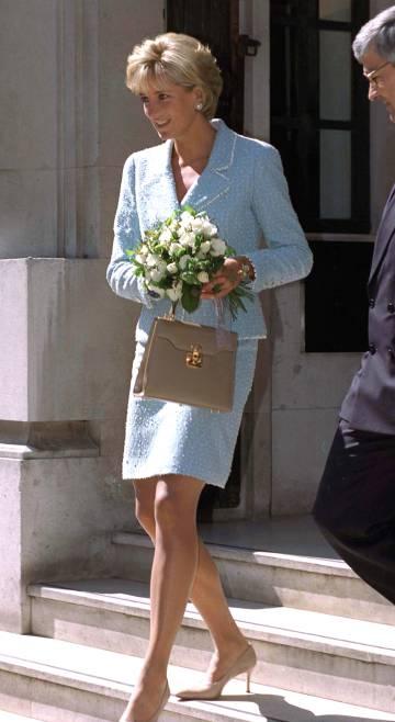 El bolso fetiche de Diana de Gales, a subasta