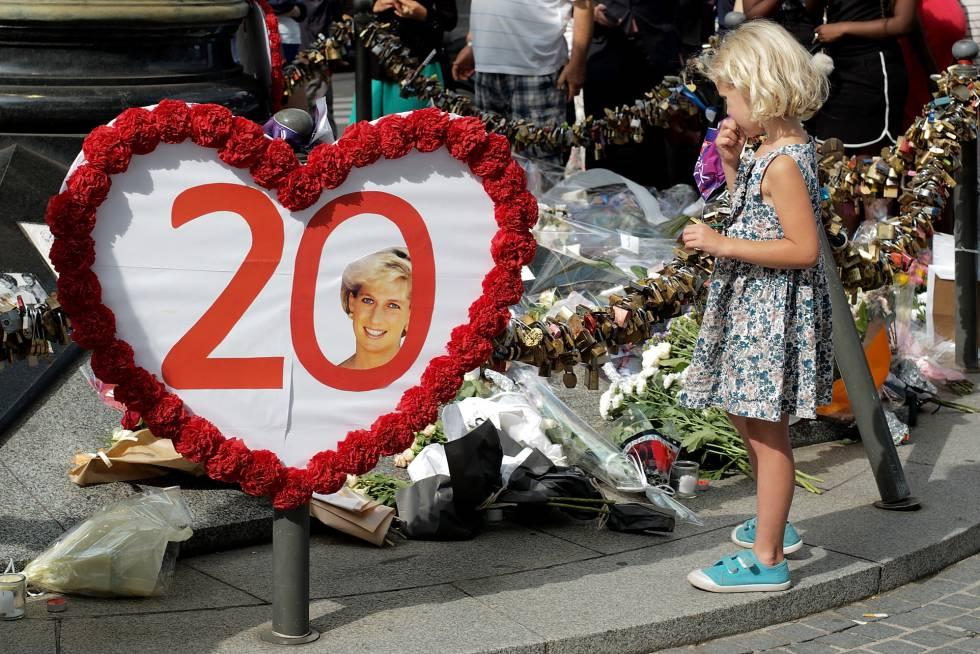 Homenaje en París a Diana de Gales.