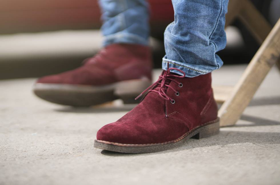 Tres trucos baratos y rápidos para mantener impoluto tu calzado de ante