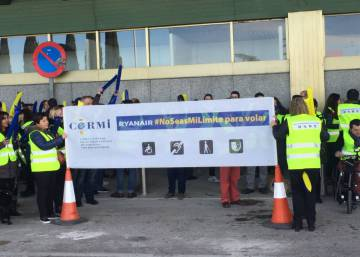 "Disabled people stage Madrid protest against Ryanair ""discrimination"""