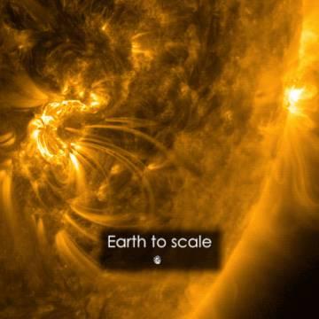 Imagen del tamaño de la llamarada solar, comparada con la Tierra.