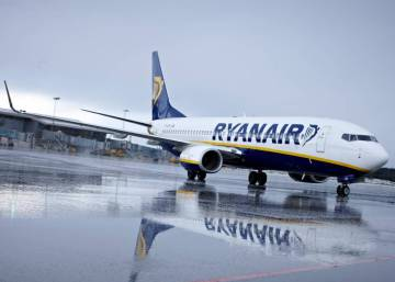 "Ryanair will only allow ""priority"" passengers to take larger luggage on board"