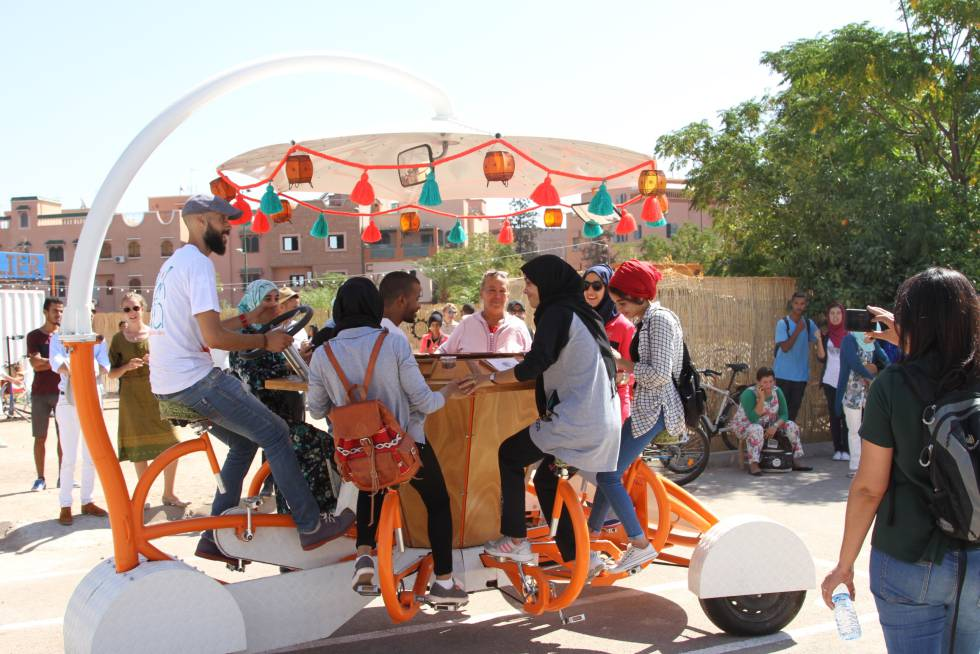 Inauguración de las bicicletas multi-tándem de Pikala Bikes, en Marrakech.