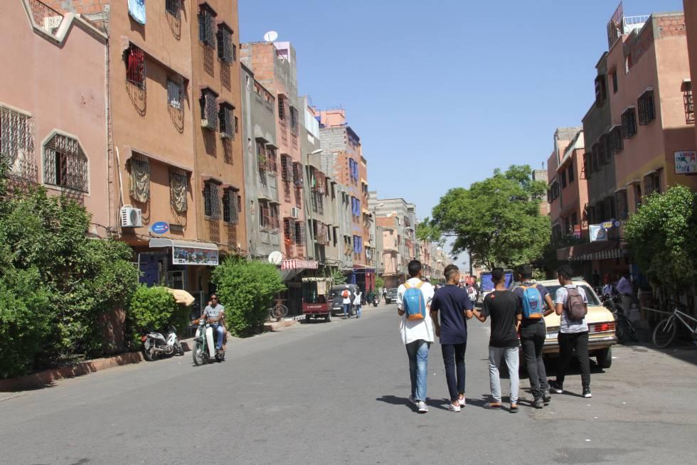 El desempleo juvenil empuja a muchos jóvenes marroquíes a querer salir del país para buscar oportunidades en el extranjero.