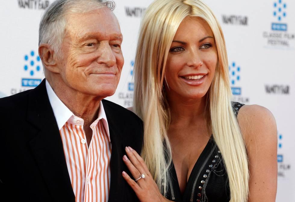 Hugh Hefner y su esposa Crystal Harris, en California en 2011.