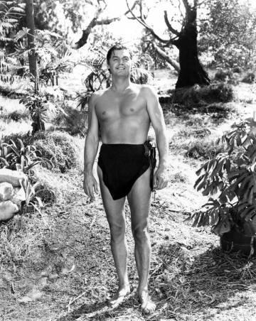 El primer Tarzán, Johnny Weissmüller, el ideal de hombre fuerte en los años 30 y 40 y sin atisbo de 'six pack'.