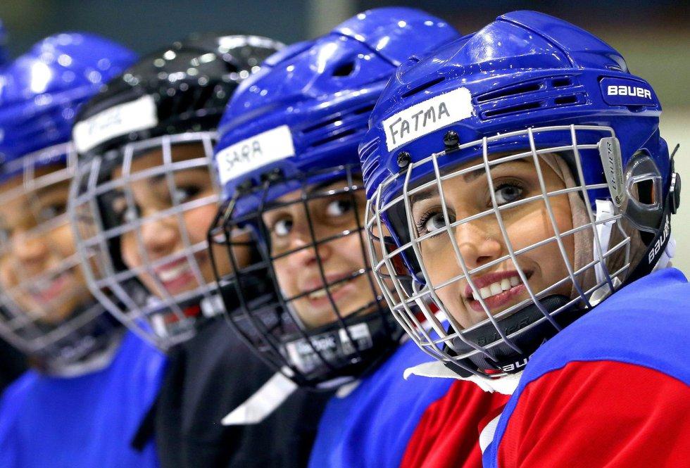 Jugadoras del equipo de hockey femenino de Kuwait durante un entrenamiento en septiembre.