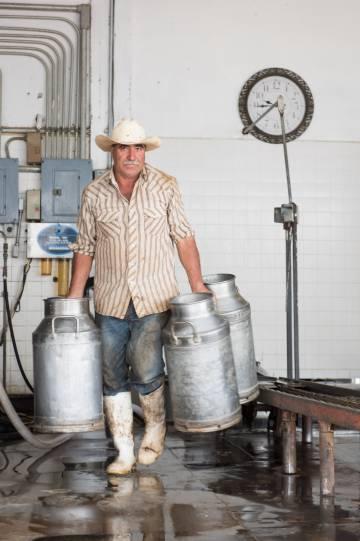Fábrica de queso Acatic, en Jalisco. Toda la leche que llega aquí es de productores certificados por estar su ganado libre de tuberculosis.
