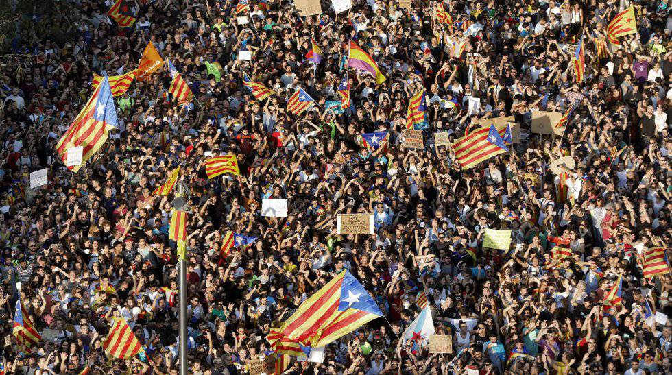 Thousands Of People Demonstrate During The General Strike In Catalonia On October