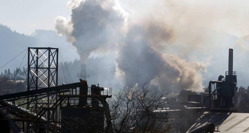 Contaminación en una instalación industrial en Vizcaya, en 2010.