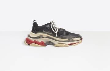 Triple S  Por qué estas zapatillas feas están arrasando hasta ... 11cfe108d426