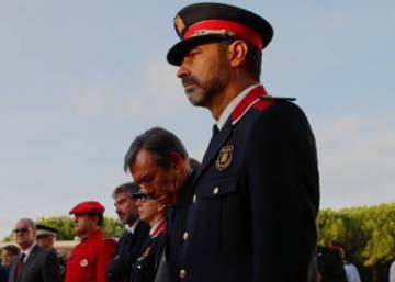El Gobierno prepara la destitución de Trapero al frente de los Mossos y el control de TV3