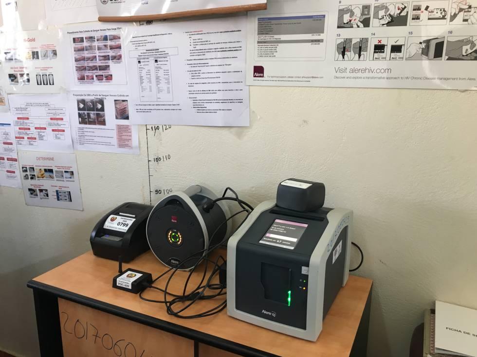 Máquina de PCR para diagnosticar el VIH en la clínica sin tener que enviar la muestra a un laboratorio en la capital. Esta innovación reduce de seis meses a 50 minutos el tiempo de espera para obtener los resultados y permite iniciar el tratamiento el mismo día.