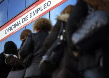 92% of Spaniards believe gender inequality persists, poll finds