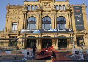 Alicia Vikander provides touch of glamor at San Sebastian film festival