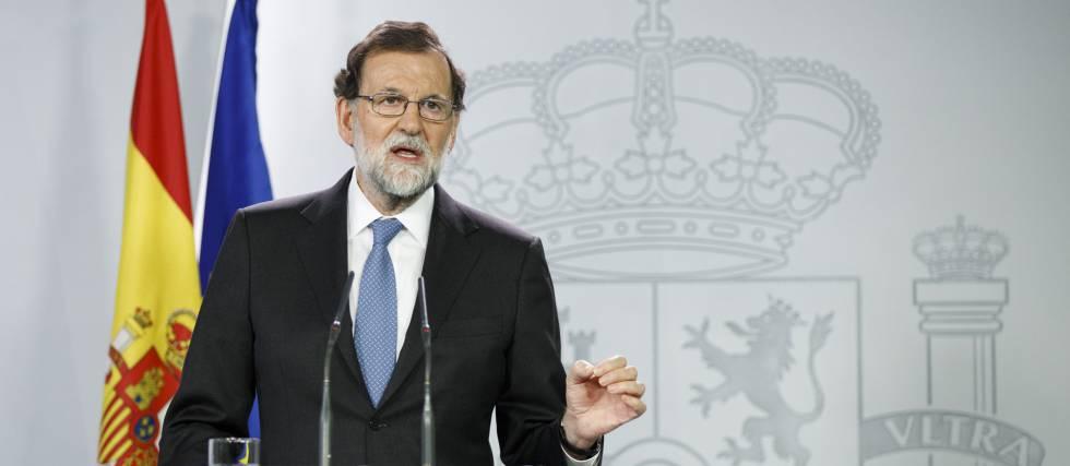 Mariano Rajoy en la rueda de prensa posterior al consejo de ministros extraordinario del 27 de octubre.