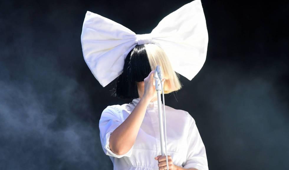La Cantante Sia Comparte Una Foto Desnuda Para Evitar Que Sea