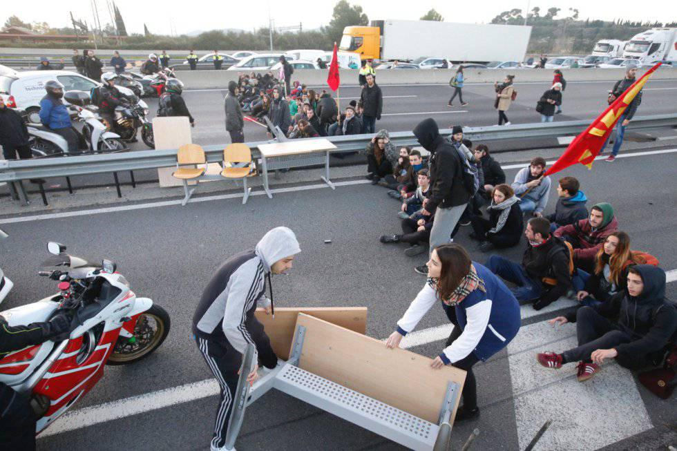 Students blocking traffic in Catalonia.