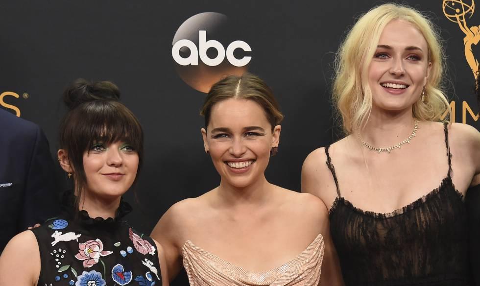 Las actrices de 'Juego de Tronos' Maisie Williams, Emilia Clarke y Sophie Turner.