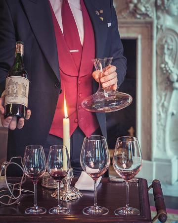 """""""Mi carta de presentación es la carta de vinos que ofrezco"""", dice el sumiller."""