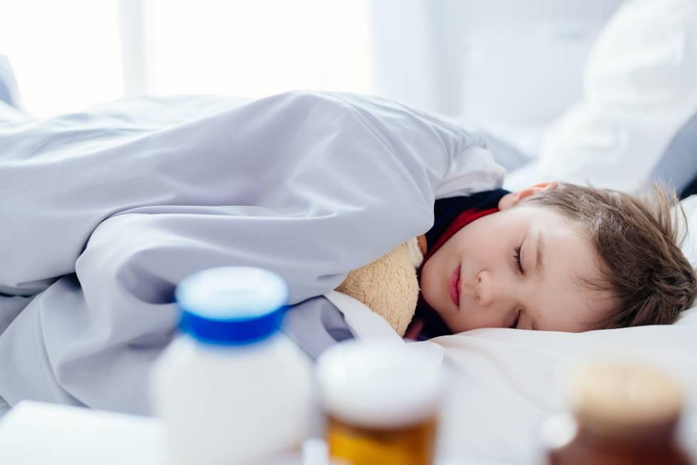 Por qué la sobremedicación con antibióticos hace vulnerable a tu hijo