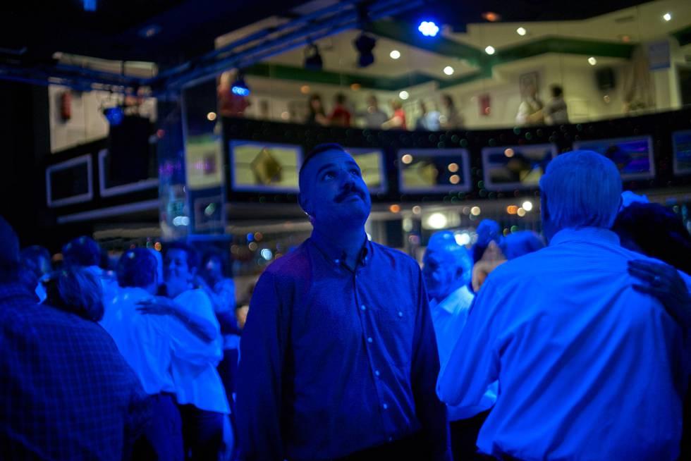 2a103974e Salí de fiesta en una discoteca de señoras mayores un domingo por la tarde