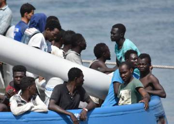 "Spain ""skeptical"" over Italian call for help in battling migration crisis"
