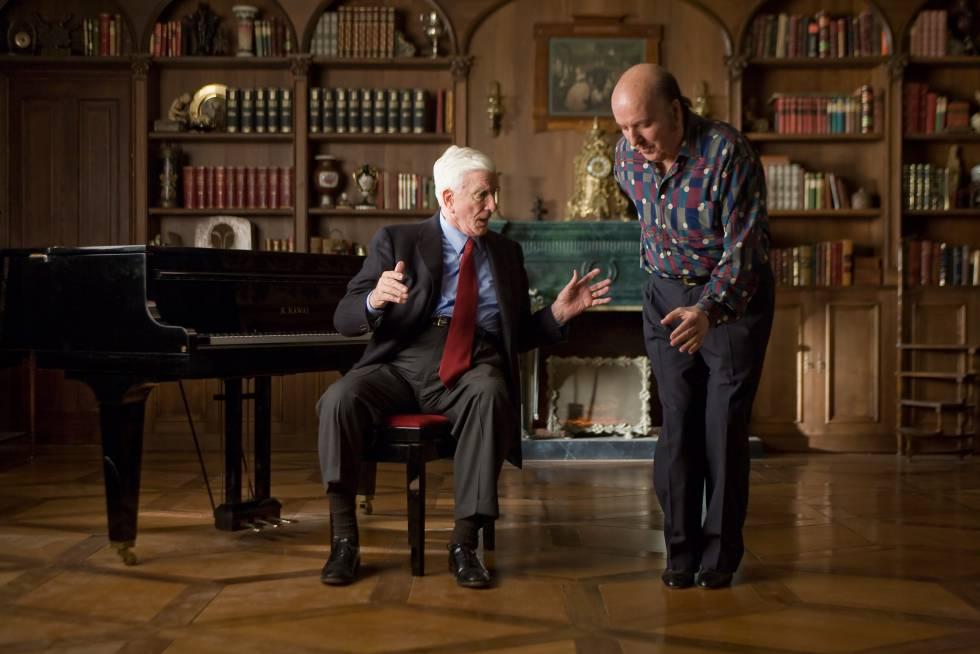 Leslie Nielsen y Chiquito de la Calzada en un fotograma de la película 'Spanish Movie'.