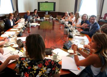 Political parties in Spain reach landmark deal to combat gender violence
